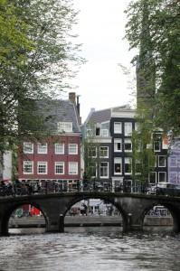 amsterdam-grachtenfahrt-bruecke