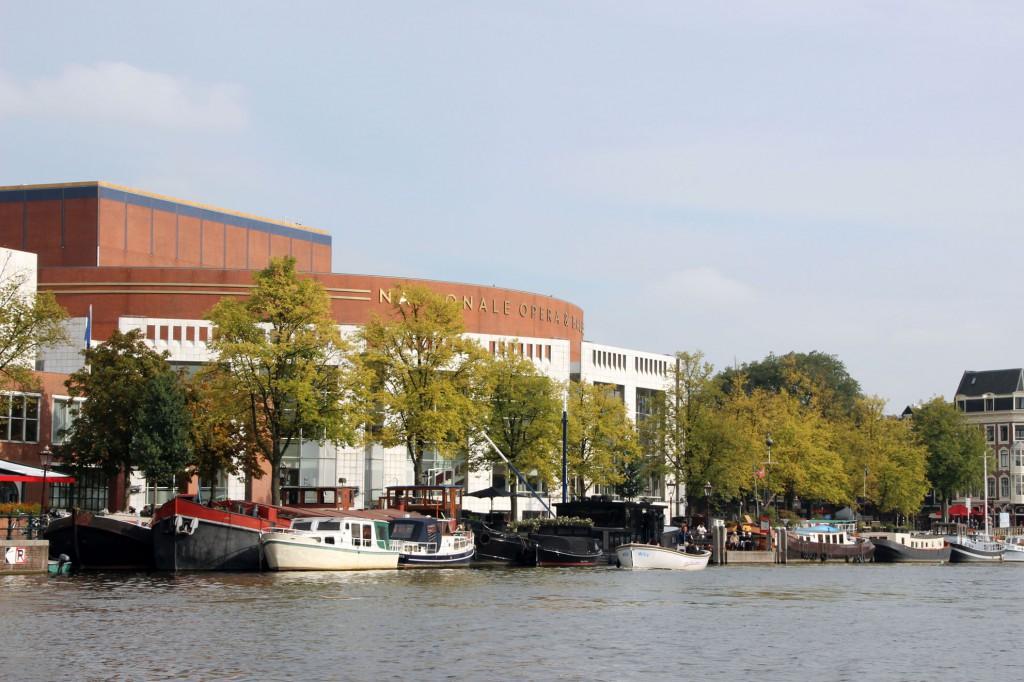 amsterdam-grachtenfahrt-oper