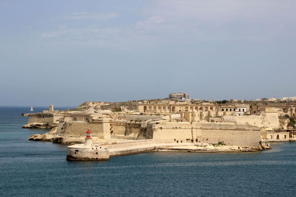 malta-valletta-fort-elmo